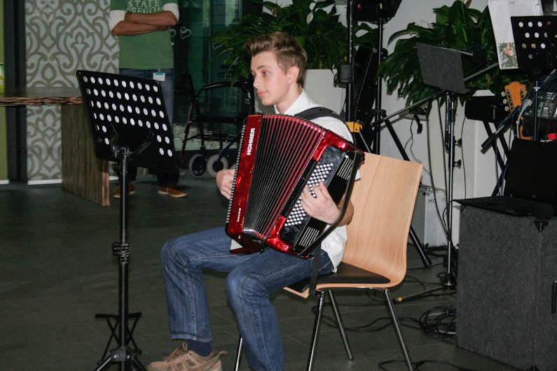 Harmonika2